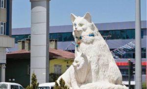 статуя ванской кошки